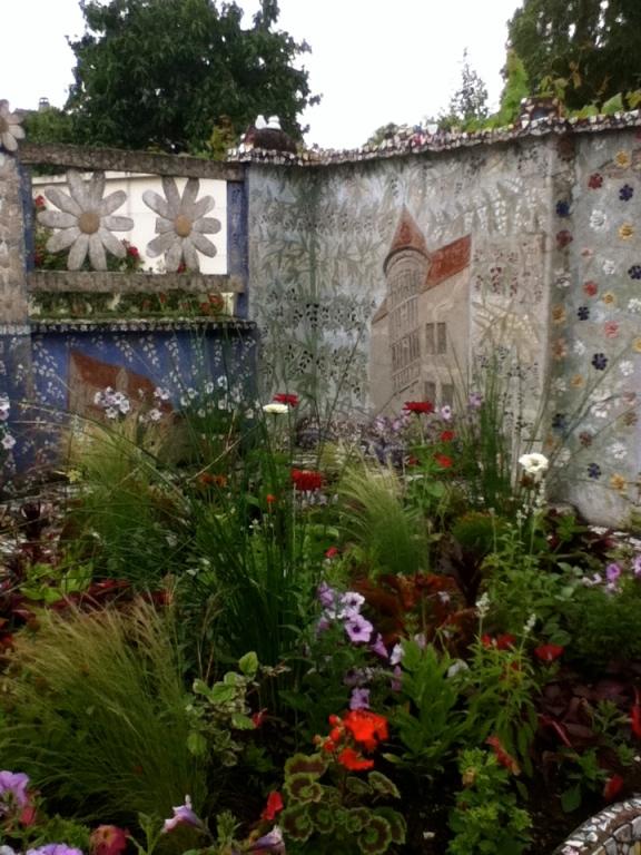 Maison Picassiette- Chartres, France Andalucía Bound Blog